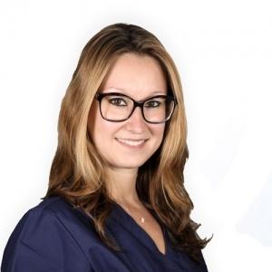 Dr Daria Douhnai