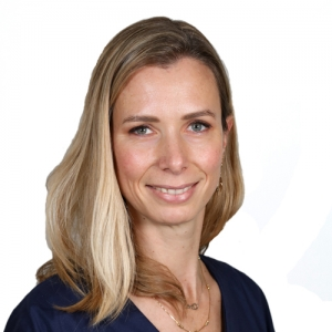 Dr Julie Pariente